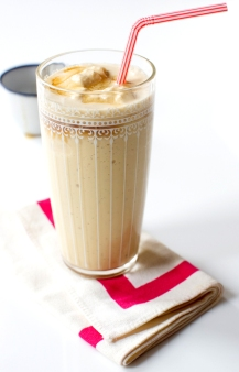 7-recipe_maple-milkshake_600x935